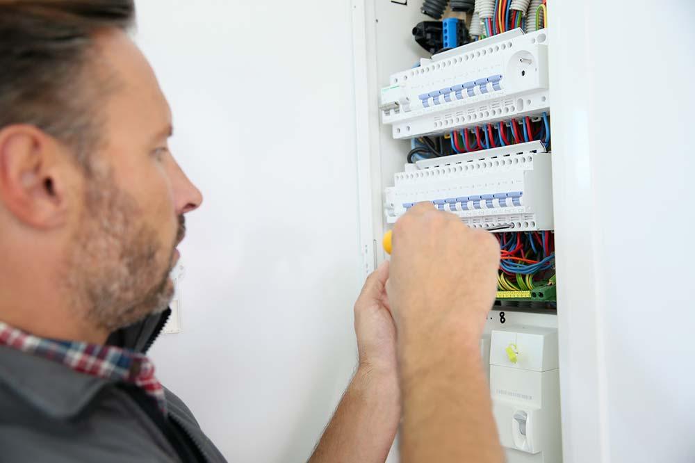 Quel est le tarif horaire d'un électricien ?